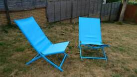 2 foldable garden chairs