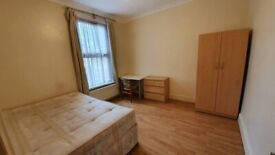 *Clean & quiet large room near central line station - Working people only*