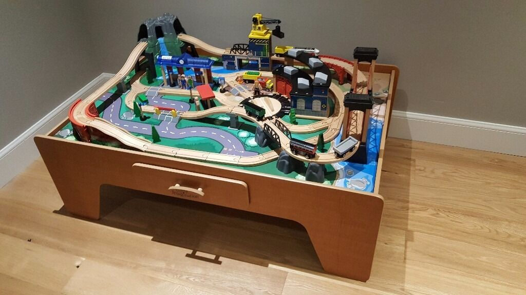 Toys r us rocky mountain train table and set. Excellent ...