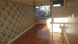 Spacious modern 3 bed house to let - Middleton LS10