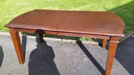 6 - 8 Seat Dining / Kitchen Table, extendable, Mahogany Finish