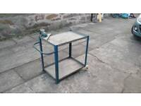 Mobile metal table and vice