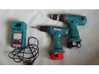 x2 Makita 12v ,2.6ah screw drivers + charger