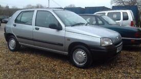 Renault clio new mot 55k