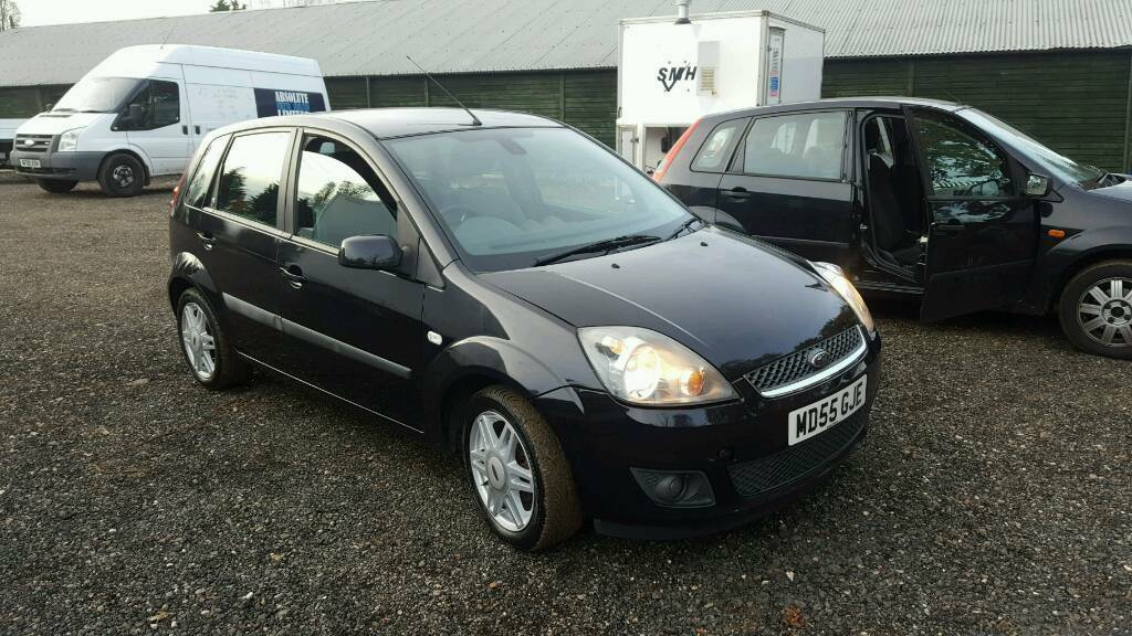 ford fiesta ghia 2006 in clacton on sea essex gumtree. Black Bedroom Furniture Sets. Home Design Ideas