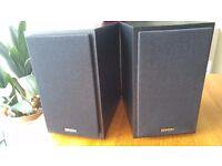 2 Denon speakers, in excellent condition