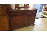 Small sideboard - perfect upcyle prodject
