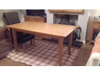 Extending Dining table and 6 chairs £170 ono