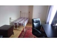 Five Rooms to let close to Solent Uni ,Southampton city centre, POST CODE SO14 0ER