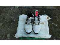 Adidas size 9 golf shoes good condition