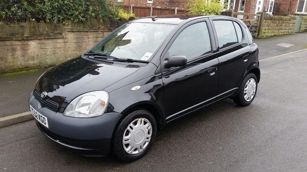 black toyota yaris 2002 1l ideal 1st car in carlton nottinghamshire gumtree. Black Bedroom Furniture Sets. Home Design Ideas