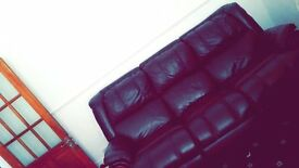 To let share rent double room single room Bolton town centre. Professional or students