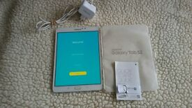 Samsung Galaxy Tablet S2 White, Wifi, 32gb, with Keyboard & Case No Marks or Scuffs Excellent Cond