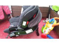 Graco baby car seat and base 0 + from birth rear facing