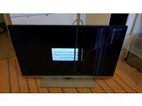 """40L5453DB - 40"""" SMART 3D LED TV - Broken Screen"""