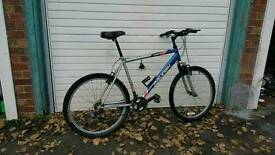 RALEIGH Mens Mountain Bike