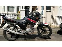 2013 Yamaha YBR 125cc Motorcycle, Black with Red Detail + Top Box . For Sale.