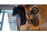 Pram Silver Cross - Sleepover Deluxe. great condition Pram/mosses/changing bag/raincovers