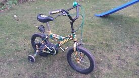 Boys Camouflage / Army Bike with Stabilisers. Suit 3 to 5 Year old