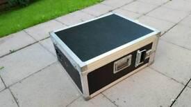 Flight case powered
