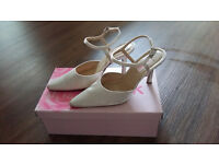 Ivory satin shoes - Pink by Paradox, worn once, size 37, good condition