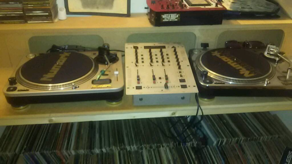 Numark TT1& TT2 Turntables/Mixers/Record Collectionin Dyce, AberdeenGumtree - Collection of 90s Hip hop & verious other vinyl/Techno/80/90s Dance/Rave Tunes/Numark turntables & mixers & accessories