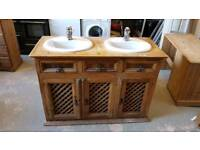 very nice double sink unit