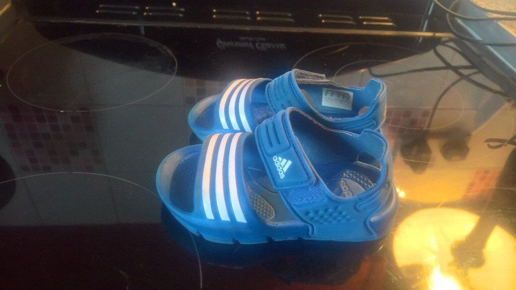 boys adidas sandlesin Horwich, ManchesterGumtree - Hi i have these little blue Adidas summer sandles with Velcro size 6small minor wear and tare thanks for looking