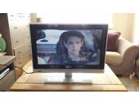 **PHILIPS**26 INCH**HD TV**FREEVIEW**FULLY WORKING**COMES WITH POWER CABLE AND REMOTE**NO OFFERS**