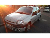 Renault clio very cheap needs gone
