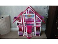 Large Barbie California Dream house / Dolls house
