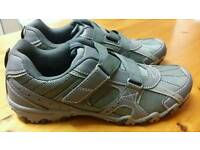 New size 8 harbour bay trainers