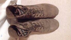 Magnum desert patrol boots - READ DESCRIPTION