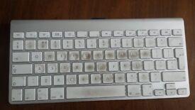Wireless Apple Keyboard for parts/keys