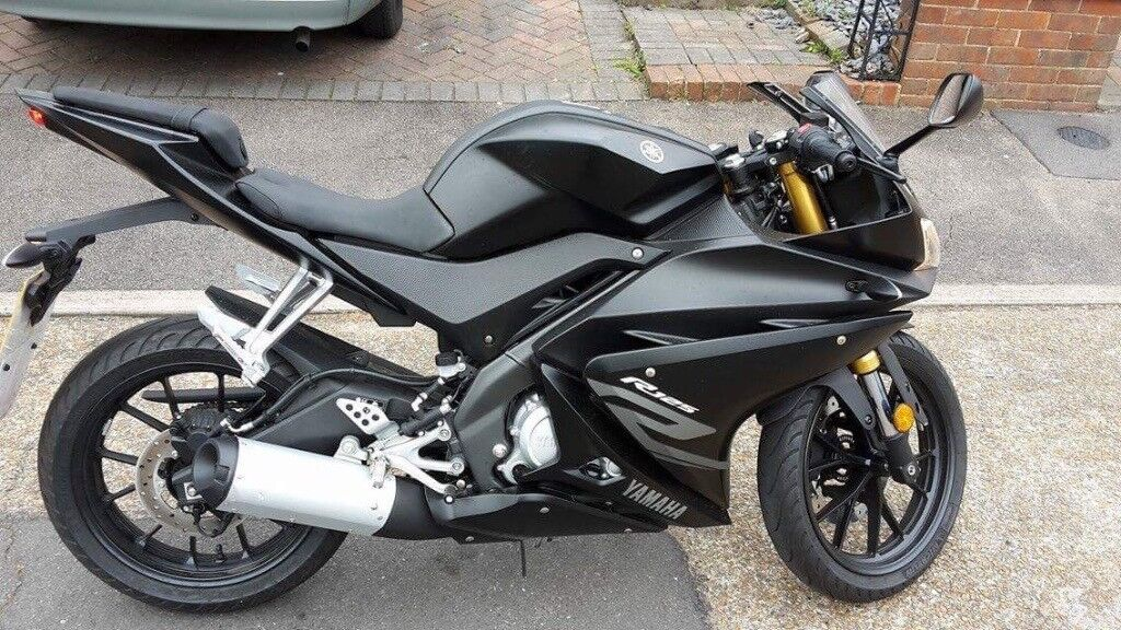 yamaha yzf r125 2017 black in sutton london gumtree. Black Bedroom Furniture Sets. Home Design Ideas