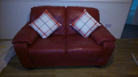 2 SEATER SETEE/SOFA VERY GOOD CONDITION RED LEATHER