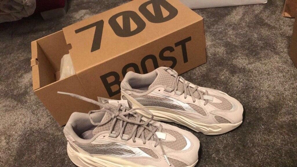 f239786607109 Adidas yeezy boost 700 v2 uk 7.