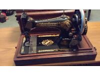 Retro/Vintage Style Hand Crank Singer Sewing Machine. (Advertised at £365.00).
