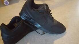 Mens size 9 nike trainers