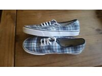 VANS FOR THE RIDE PLAID CASUAL SHOES