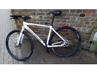 CBoardman Comp Fi Disc flat-bar road/gravel hybrid bike, medium size, bicycle in great condition