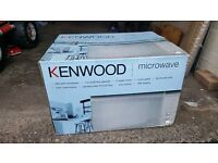 KENWOOD KEN SJ/SS28 MICROWAVE OVEN, 900 WATTS, MIRROR EFFECT FRONT, EXCELLENT WORKING CONDITION.
