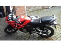 HONDA CBR 125 £750 WITH OXFORD COVER AND LOCK
