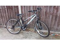 WOMAN'S MOUNTAIN BIKE SHOCKWAVE XT675 GIRL'S LADIES LADY'S