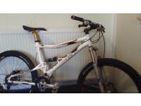 GT 1.0 iDrive (Medium) - Full Suspension Men's Mountain Bike