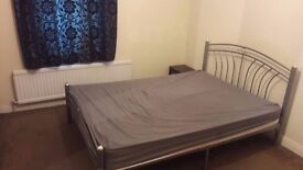 Double & Single Rooms in a shared house very quite environment Including all bills
