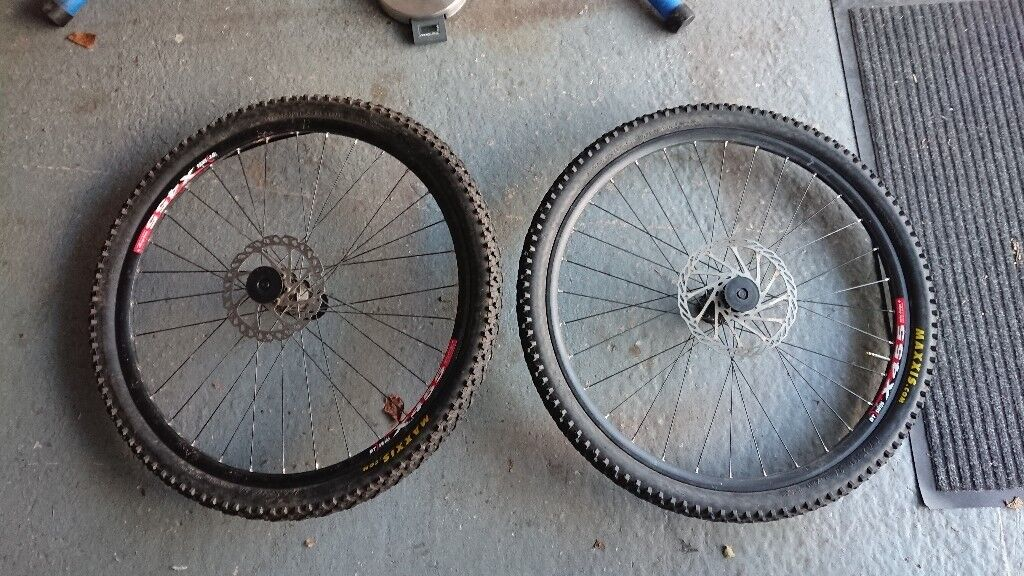 Dt Swiss Wheelset 26 Inch Mtb Includes Brake Discs And Maxxis