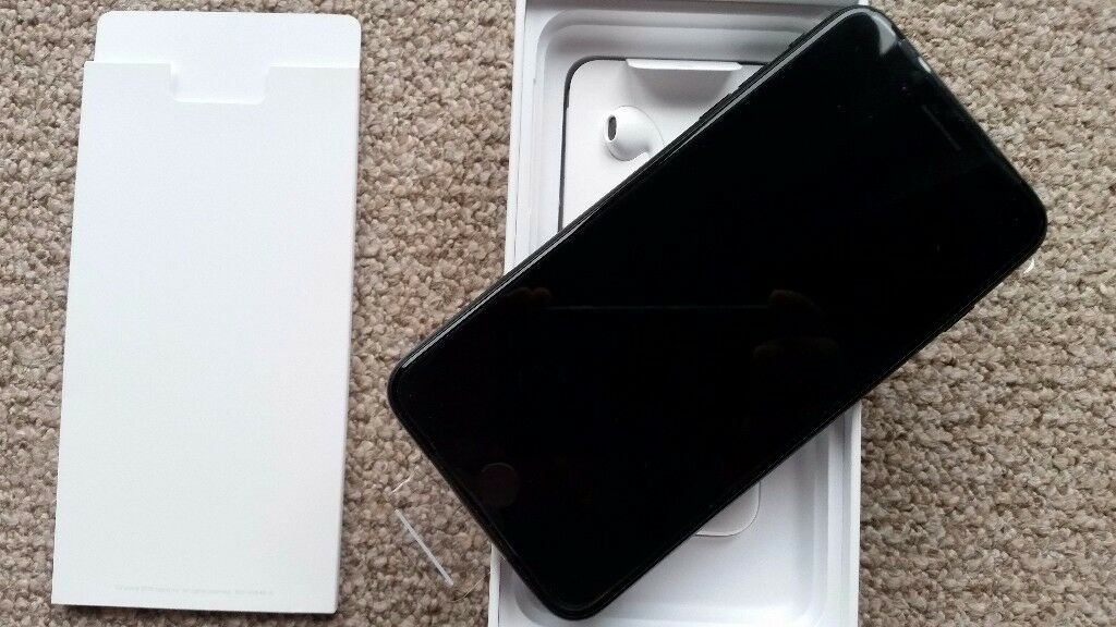 Iphone 7 Plus 32gb in black color,unlocked,brand new