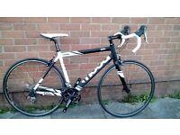 Moda Intro Road Bike, 55cm, like new, 20 speed Tiagra.