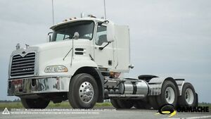 2009 Mack CXU613 PINNACLE DAY CAB